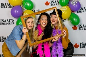 photobooth-niagara-catharines-welland-Birthday-Party-Wedding-event-fun-photo-booth-pictureartists.com_9793